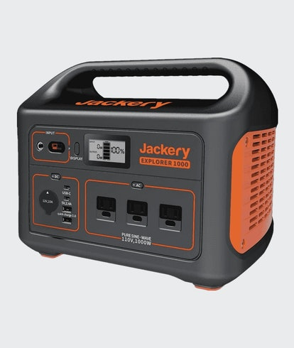 A product shot of the front of the Jackery Explorer 1,000 battery.