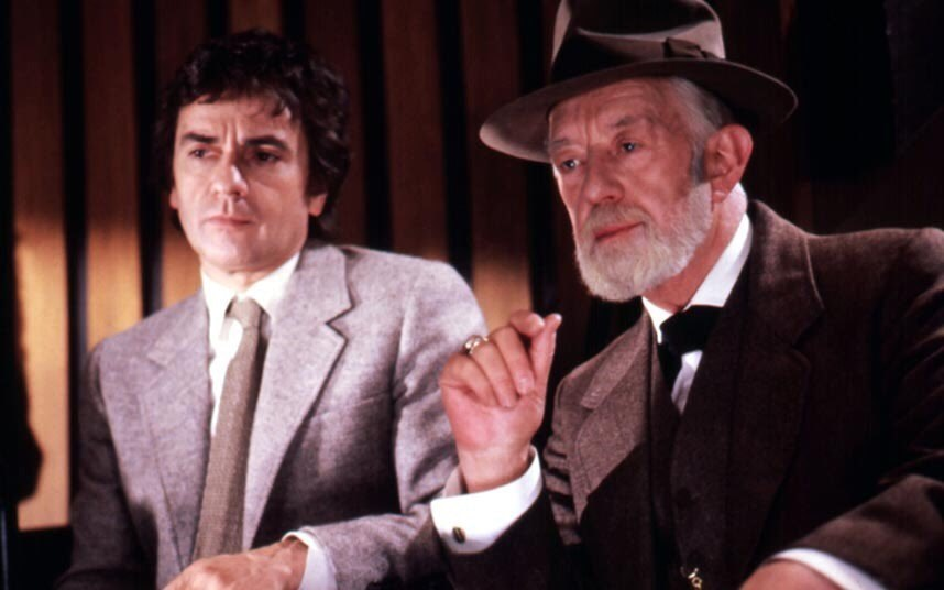 Alec Guinness (right) and Dudley Moore in Lovesick.