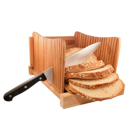 DBTech Bamboo Foldable Bread Slicer