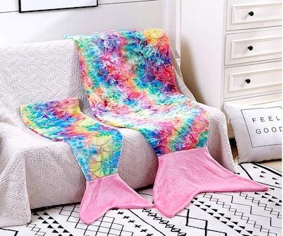 cosMonsters Mermaid Tail Blanket