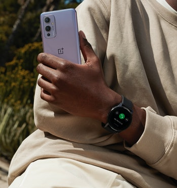 The OnePlus Watch has a 1.39-inch AMOLED display.