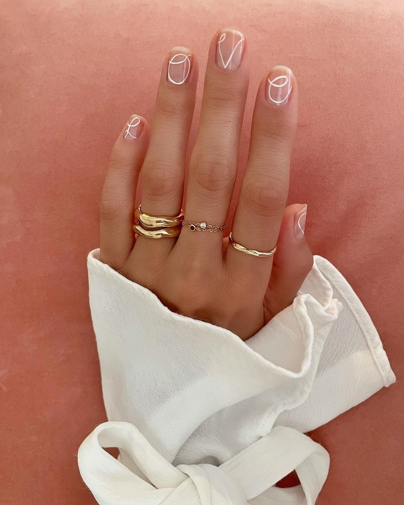 Negative space manicure ideas for spring.