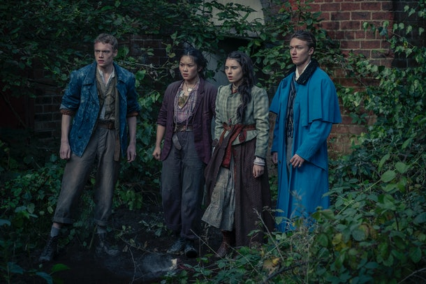 Thaddea Graham as Bea, Darci Shaw as Jessie, Jojo Macari as Billy and Harrison Osterfield as Leopold in The Irregulars