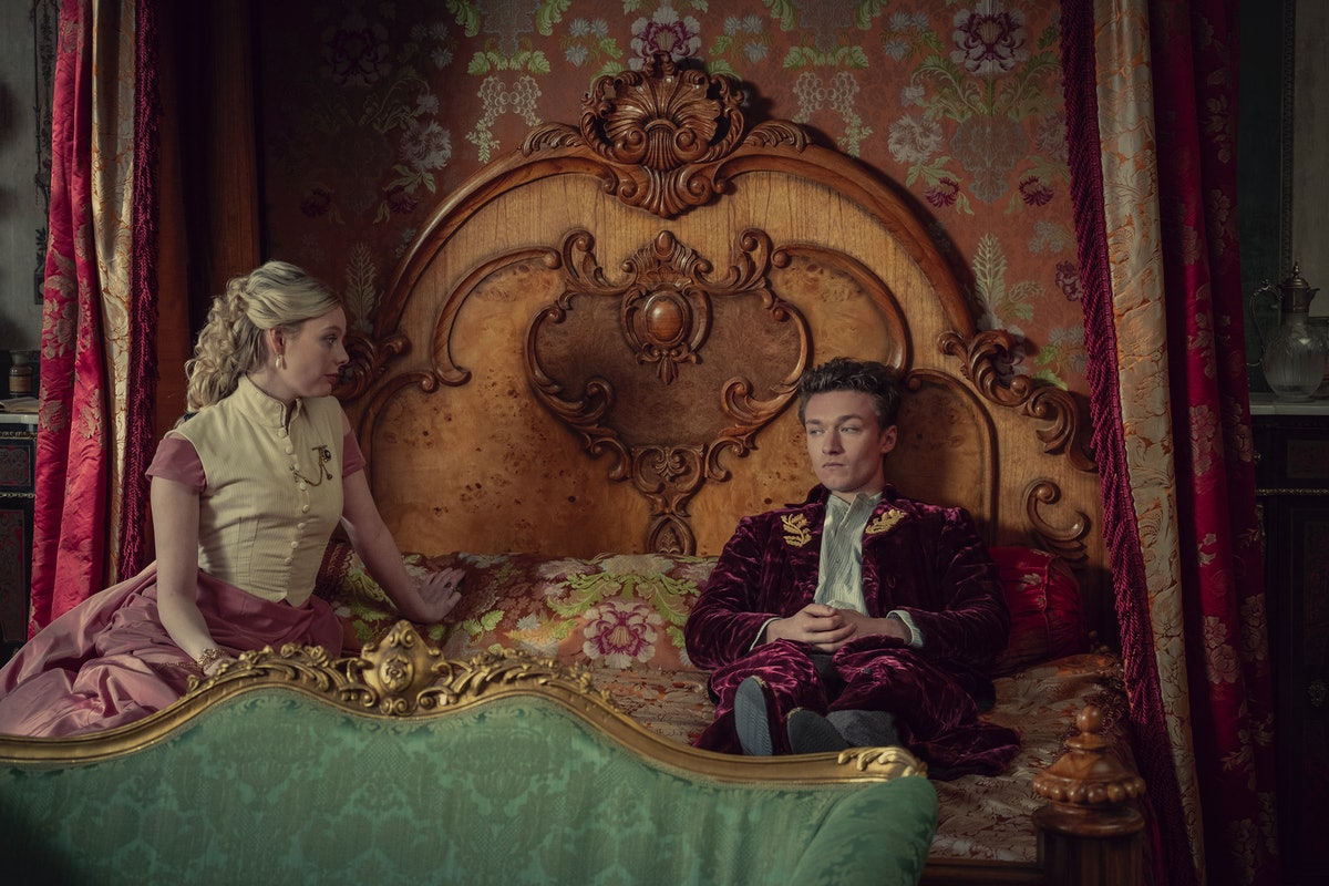Nell Hudson as Princess Louise and Harrison Osterfield as Leopold in The Irregulars