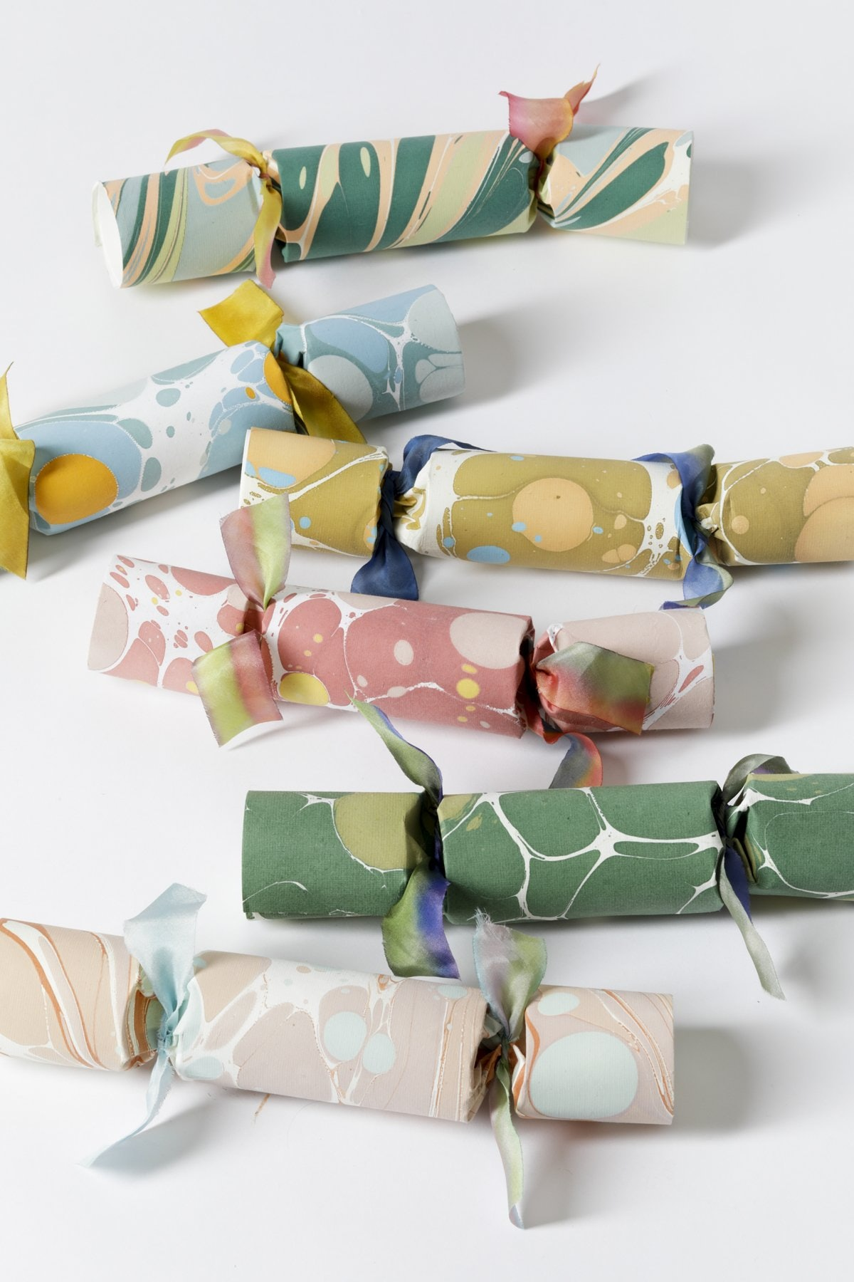 Set of 6 Spring Party Crackers