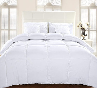 Utopia Bedding Quilted Comforter