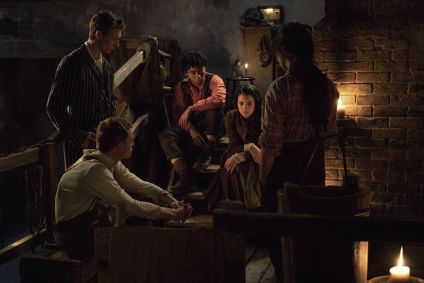 Thaddea Graham as Bea, Darci Shaw as Jessie, Jojo Macari as Billy, McKell David as Spike, and Harrison Osterfield as Leopold in The Irregulars