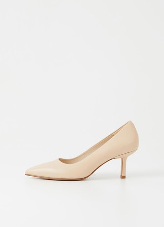 Pauline Pumps in Toffee Cow Leather