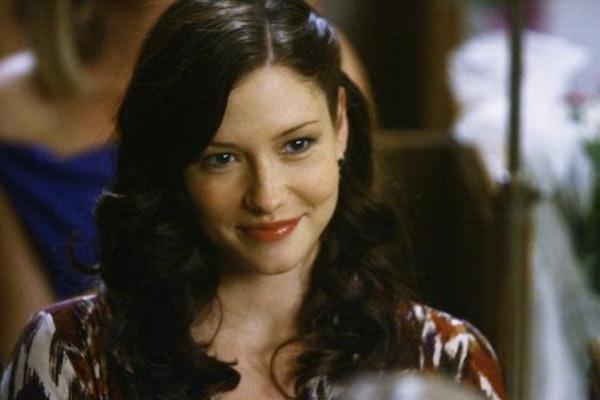 The 'Grey's Anatomy' Season 17, Episode 10 promo clip shows Lexie Grey making a return.