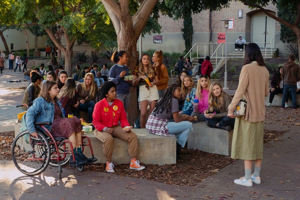 Emily Hopper as Meg, Anjelika Washington as Amaya, Sydney Park as Kiera, Sabrina Haskett as Kaitlynn, Alycia Pascual-Peña as Lucy Josie Totah as CJ, Hadley Robinson as Vivian, Lauren Tsai as Claudia in Netflix's 'Moxie'