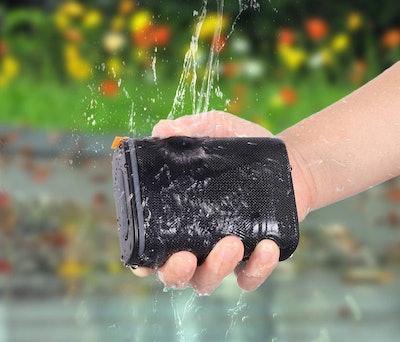 Hadisala IPX7 Waterproof Bluetooth Speaker
