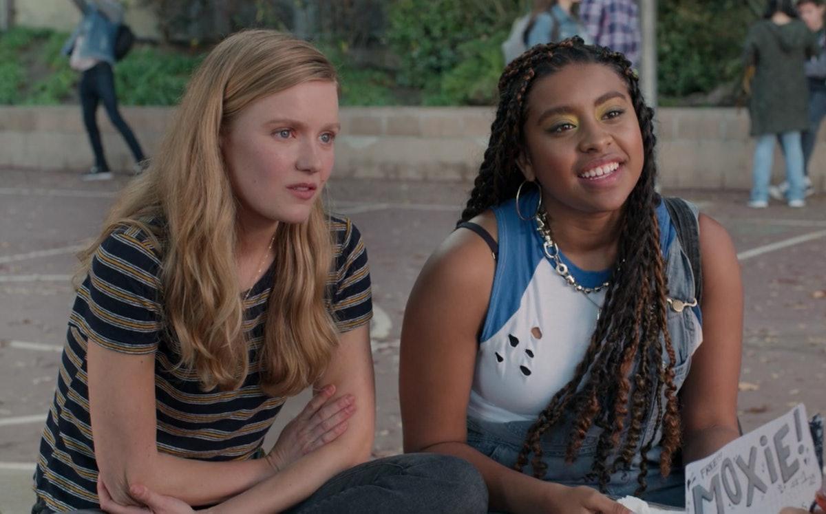 Hadley Robinson as Vivian as Alycia Pascual-Peña as Lucy in Netflix's 'Moxie'