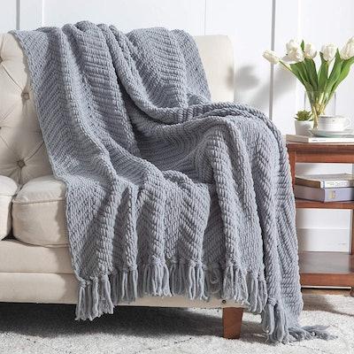 Bedsure Woven Chenille Blanket