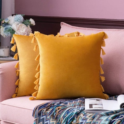 MIULEE Velvet Solid Decorative Throw Pillow Cover with Tassels (Pack of 2)