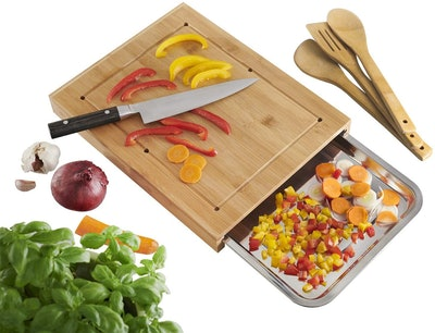 VA Bamboo Cutting Board With Container Tray