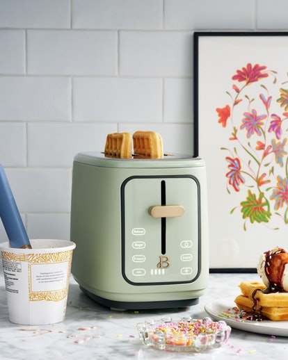 Beautiful 2 Slice Touchscreen Toaster