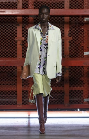 Look 23 in Off-White's Spring 2021 Ready-To-Wear collection.