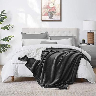 Walensee Sherpa Blanket