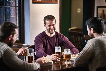 friends drinking alcohol, pub, bar