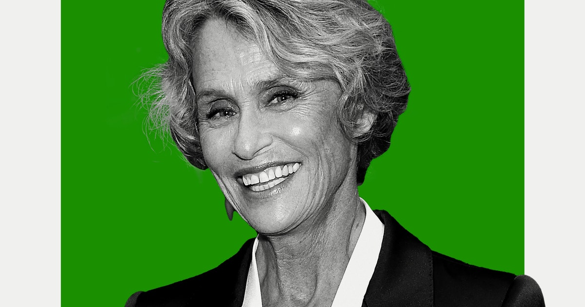 The Crucial Skin Care Rule Lauren Hutton Wishes She Learned In Her 20s