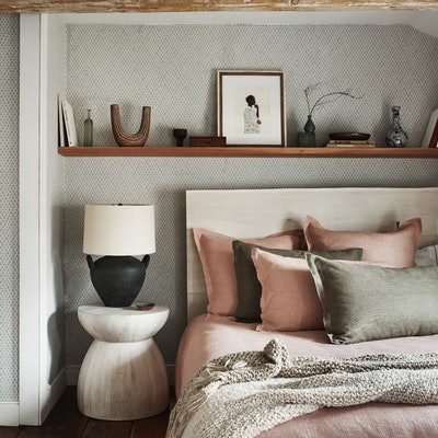 These bed styling tips from the pros will take your home decor to the next level.