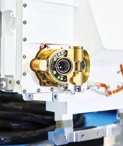 A closeup of the perseverance rover camera.