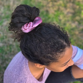 Nonbranded Velvet Scrunchies With Hidden Pocket