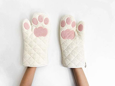 Cricket & Junebug Cat Paw Oven Mitts