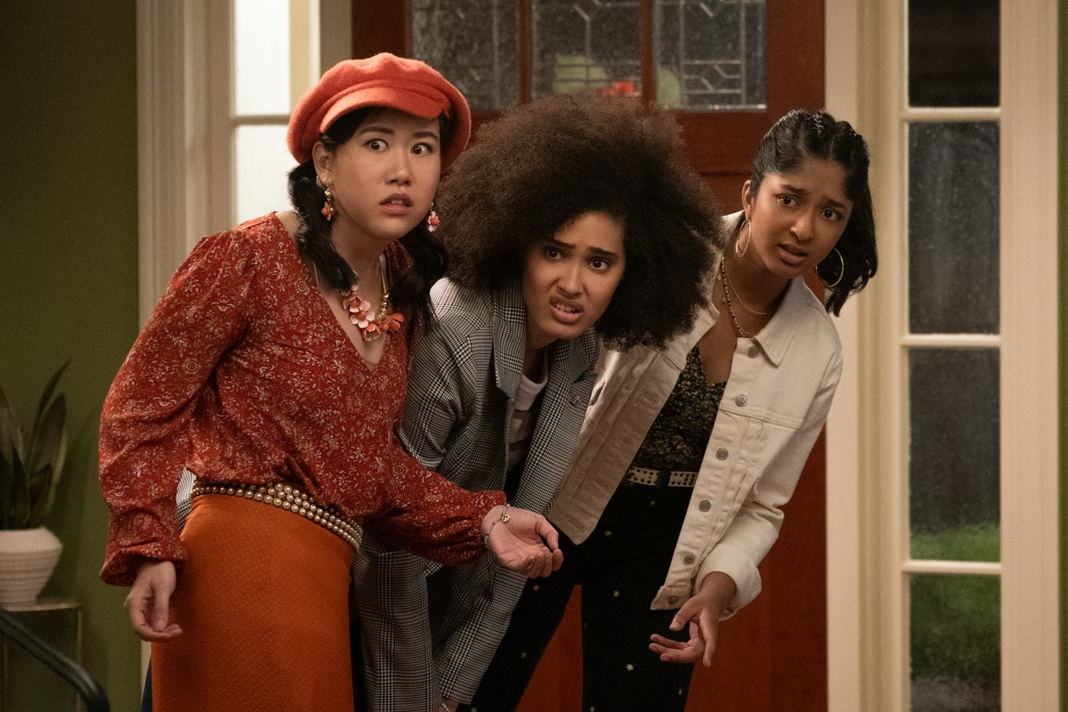 Ramona Young as Eleanor Wong, Lee Rodriguez as Fabiola Torres and Maitreyi Ramakrishnan as Devi Vishwakumar in 'Never Have I Ever' Season 2