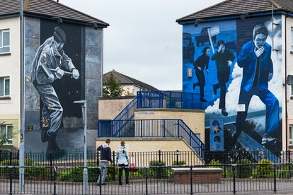 Murals on the wall of houses in Bogside, Londonderry, Northern Ireland.