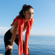 Experts explain whether you should work out when you have allergies.