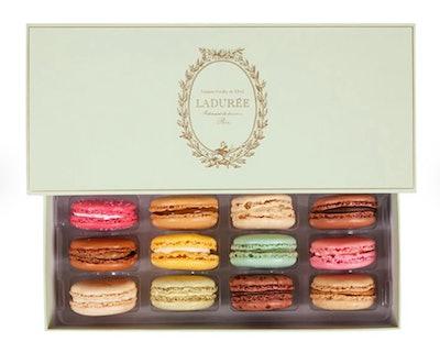 L'incontournable - Box of 12 Macarons
