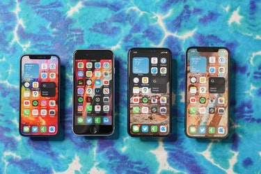 The iPhone 12 mini (left) next to the iPhone SE 2 (2020), iPhone 11 Pro, and iPhone 12.