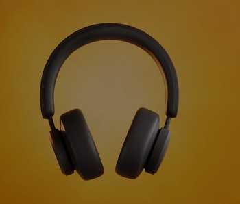 The Urbanista Los Angeles are a new pair of solar-powered headphones.