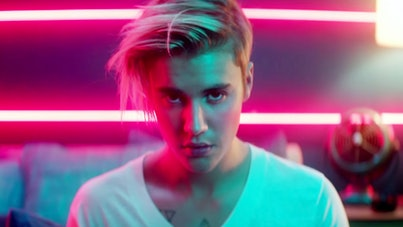 "A still from Justin Bieber's ""What Do You Mean."""