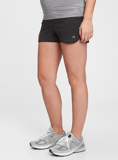 """Maternity GapFit 3.5"""" Running Shorts"""