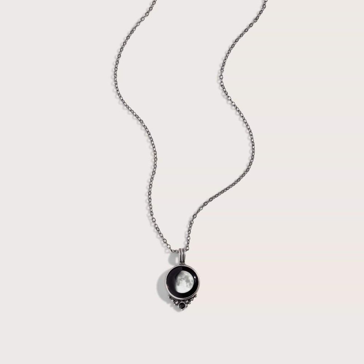 Classic Necklace with Black Crystal