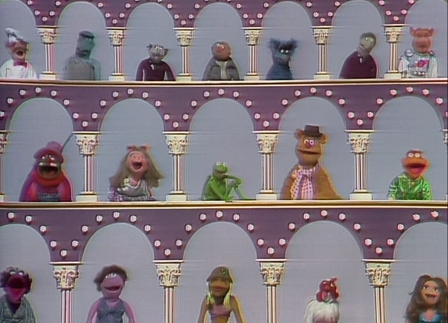 'The Muppet Show' featured celebrity guest stars throughout its run in the '70s and '80s.