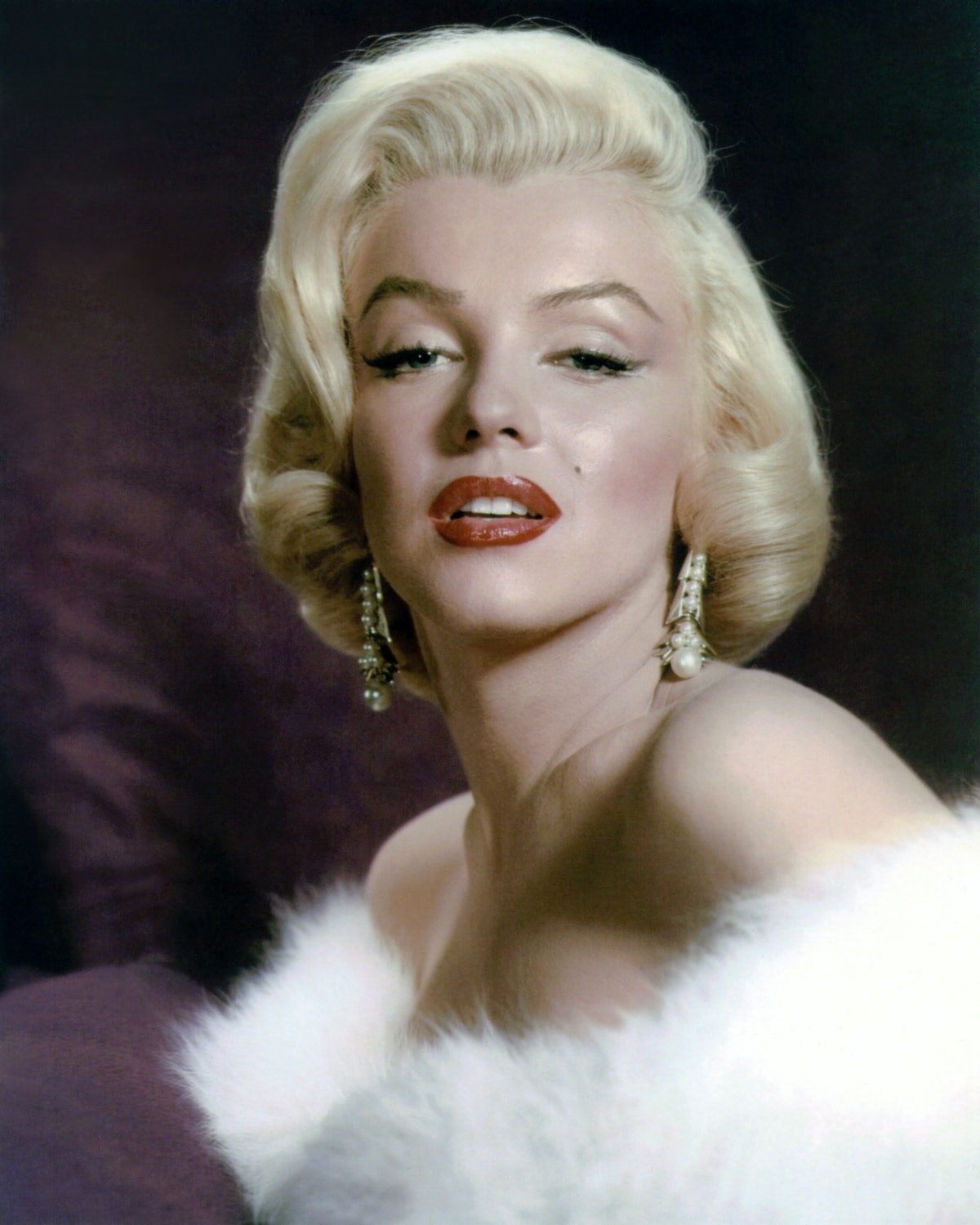 The 1950s saw liner along the full eyelid, a la Audrey Hepburn and Marilyn Monroe.