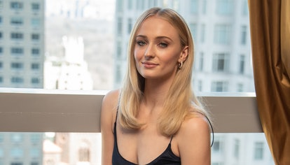 """NEW YORK, NEW YORK - APRIL 04: Sophie Turner at the """"Game Of Thrones"""" Press Conference at the Mandar..."""