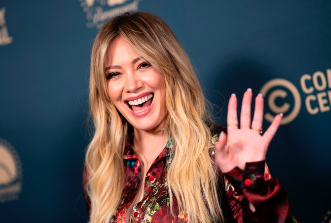 Hilary Duff will star in a 'How I Met Your Mother' spinoff, 'How I Met Your Father.'