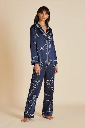 Lila Erte Navy Figures Printed Silk Pajamas