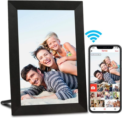 AEEZO Wi-Fi Digital Picture Frame