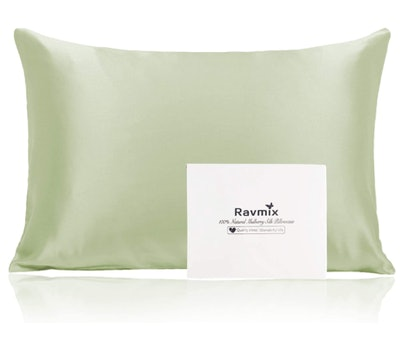 Ravmix 100% Silk Pillowcase for Hair and Skin