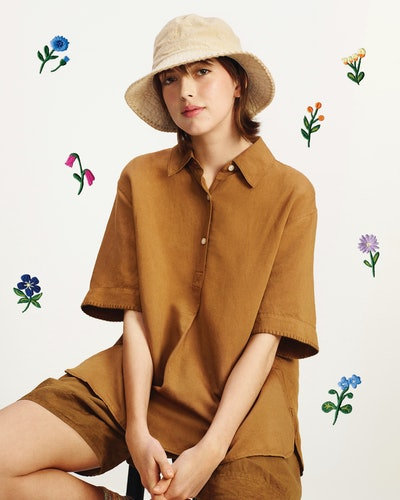 The new Uniqlo x JW Anderson collaboration is full of easy-to-wear linen pieces, some featuring the signature Spring/Summer 2021 flower embroidery.