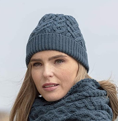 Aran Crafts Cable-Knit Heart Pattern Hat
