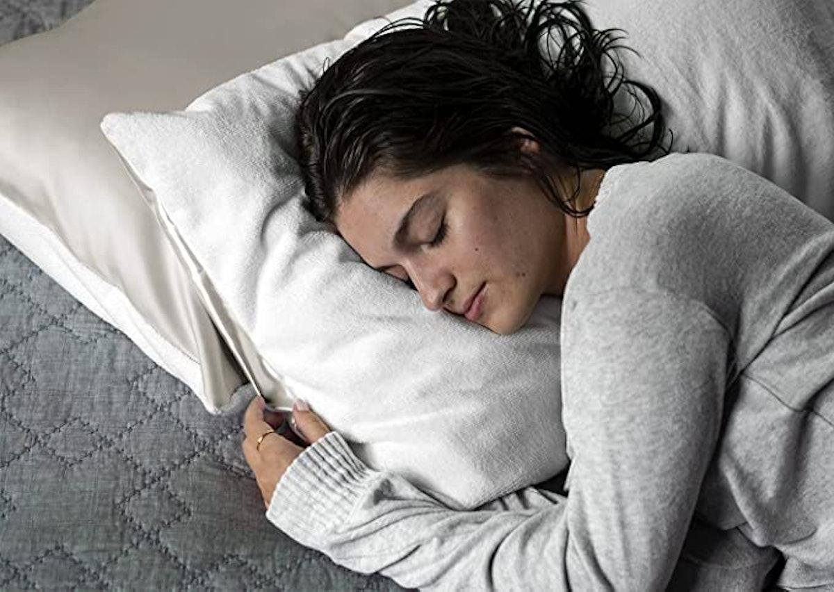DryZzz - The Pillowcase for Wetheads