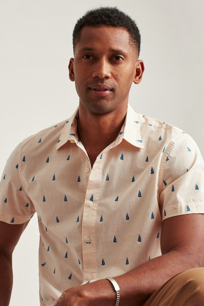 Stretch Riviera Short Sleeve Shirt in Yellow Sailboat Stripe