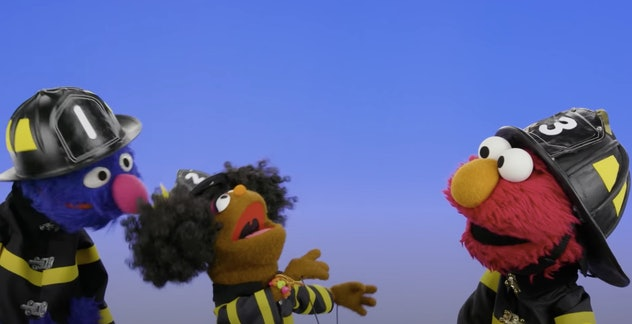 Elmo and friends dance