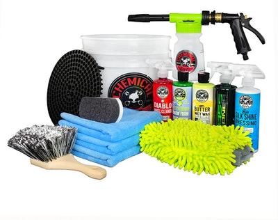 Chemical Guys HOL126 14-Piece Arsenal Builder Car Wash Kit